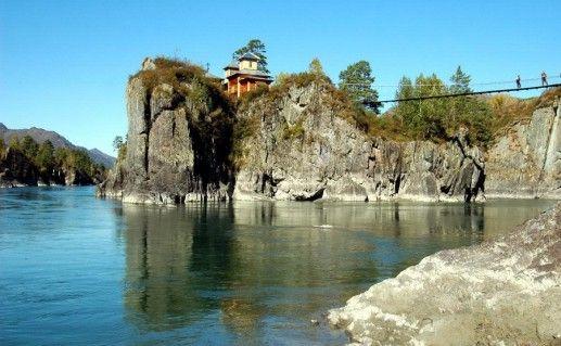 фото вида на Храм на острове Патмос на Алтае