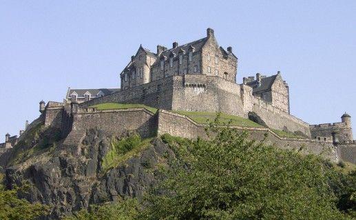 Эдинбургский замок в Шотландии фотография