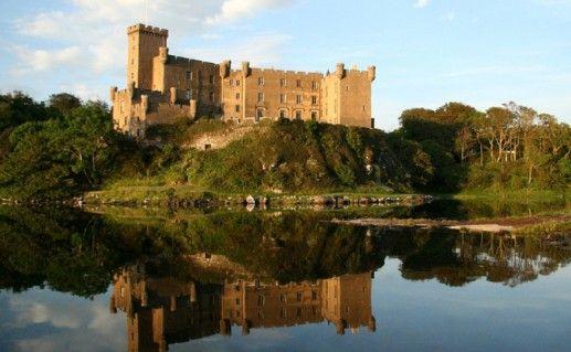 фото вида на шотландский замок Данвеган
