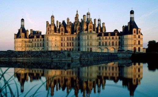 фотография вида на замок Шамбор во Франции