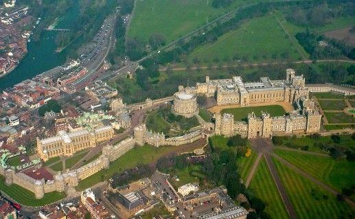 вид сверху на Виндзорский замок фотография