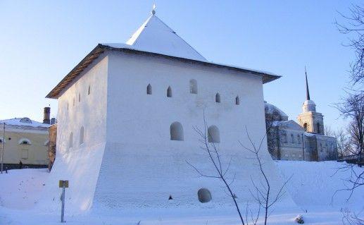 фотография Спасской башни в Вязьме