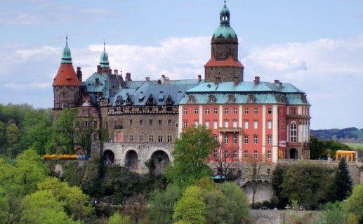 фото замка Ксенж в Польше