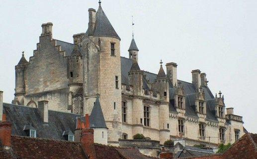 фото замка Лош во Франции