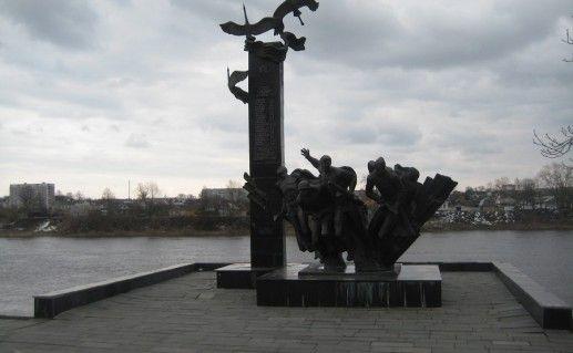 Памятник воинам-гвардейцам в Полоцке фотография