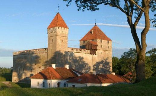 Епископский замок фотография