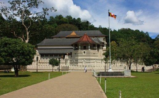Фото храм Зуба Будды
