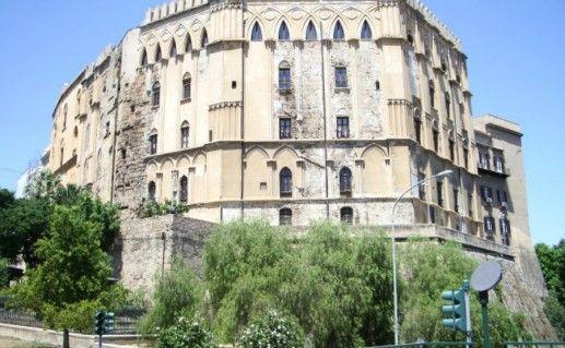 Королевский норманнский дворец (Palazzo dei Normanni) Палермо фото