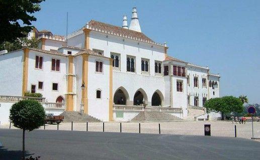 Национальный (Королевский) дворец в Синтре фото