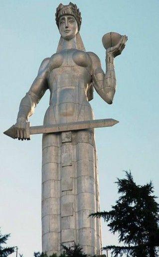 Фото памятник «Грузия-мать»