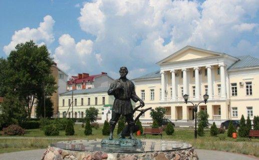 Памятник русскому мужику в Тамбове фото