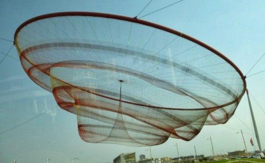 Памятник рыболовной сети в Порту фотография