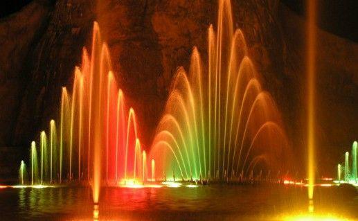 Фотография шоу танцующих фонтанов в Протарасе
