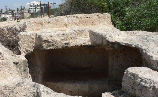 фото гробниц Макронисос в Айя-Напе