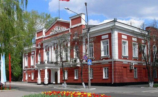 фото Алтайского краеведческого музея в Барнауле
