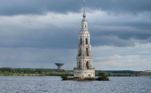 фото колокольни Никольского собора в Калязине