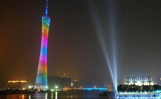 фото ночного вида на телебашню Гуанчжоу