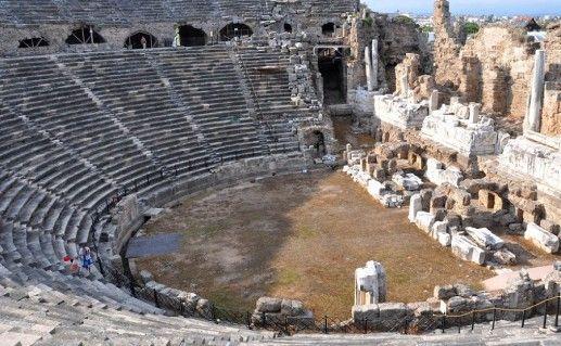 фото античного театра в Сиде