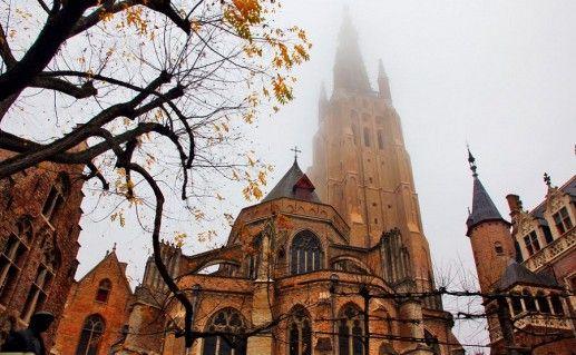 фотография церкви Богоматери в Брюгге