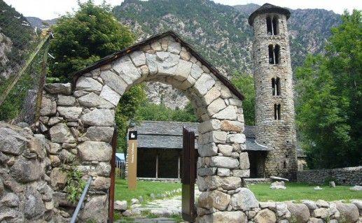 церковь Санта-Колома в Андорре фото