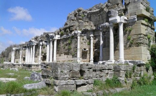 фонтан Нимфеум в Сиде фото