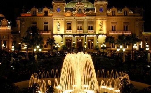 фото ночного вида на казино Монте-Карло