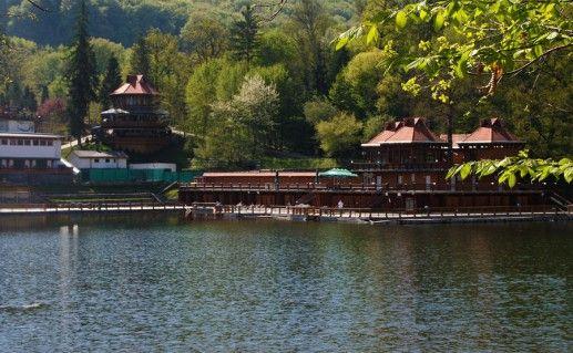фото озера Урсу в Румынии