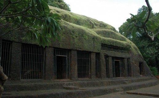 фото пещер Арвалем на Гоа