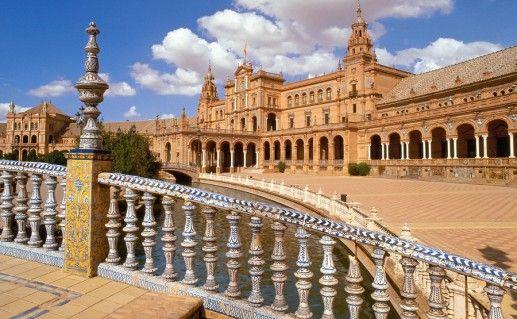площадь Испании в Севилье фотография