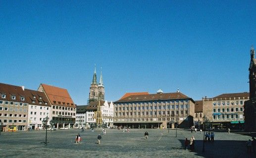 фотография вида на площадь Хауптмаркт в Нюрнберге