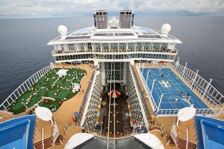 Океанский лайнер Oasis of the Seas